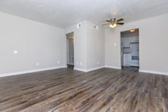 Living at Listing #139598