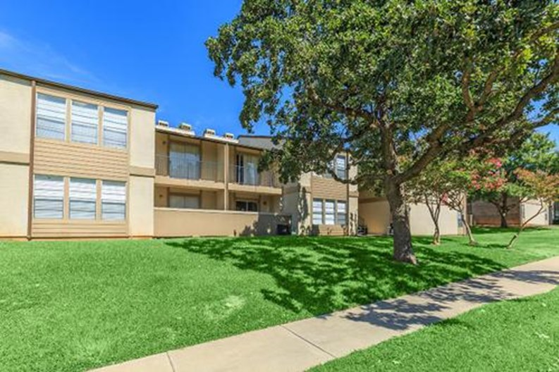 Glen Rose Park Apartments