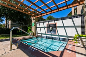Hot Tub at Listing #137623