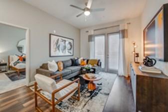 Living at Listing #292917