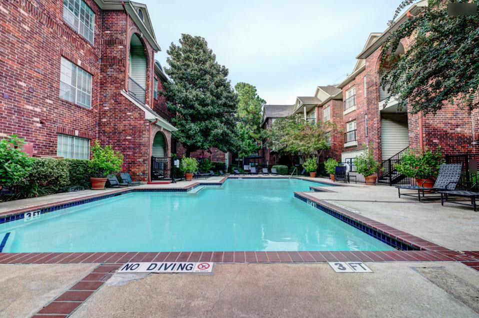 Pool at Listing #138824