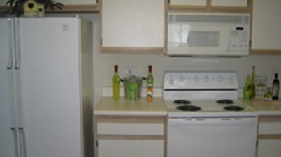 Kitchen at Listing #138870