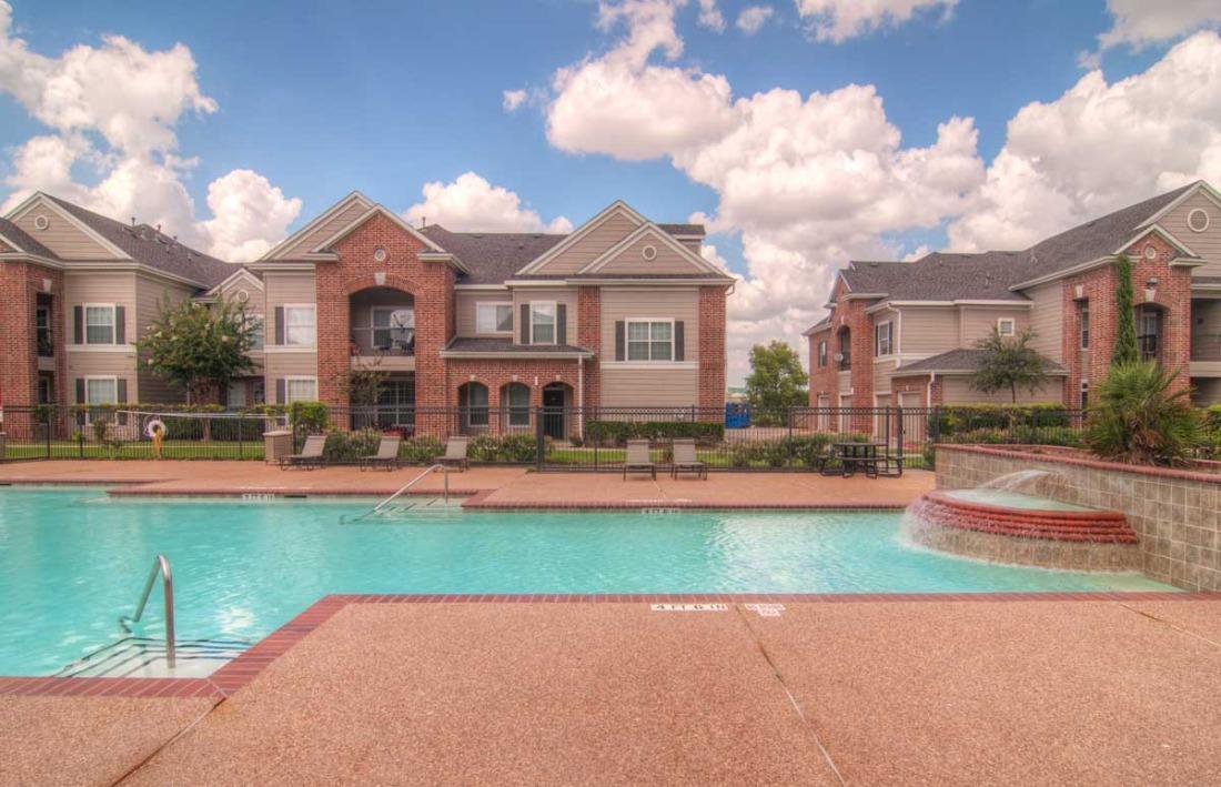 Pool at Listing #144512