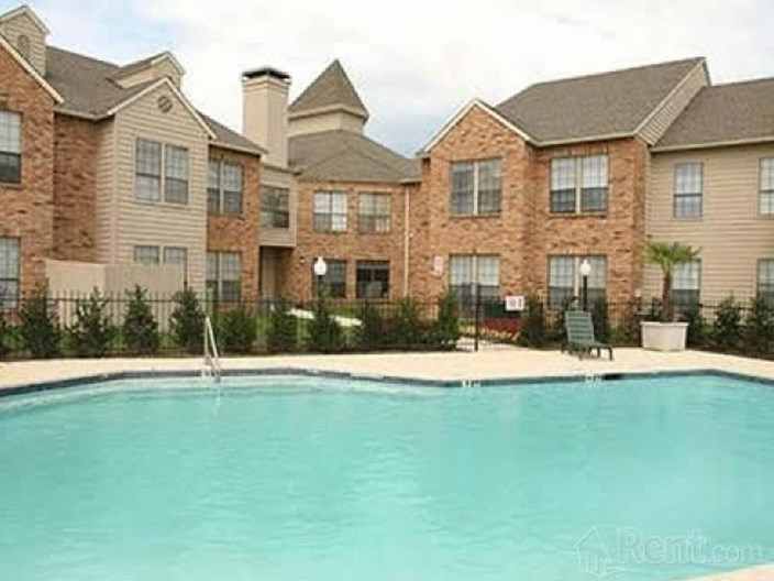Arlington Hills Apartments