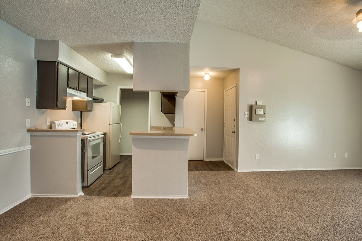 Dining/Kitchen at Listing #136117