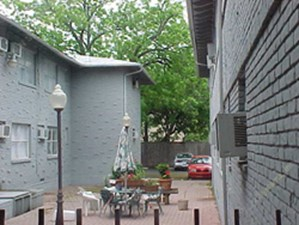 Courtyard at Listing #137661