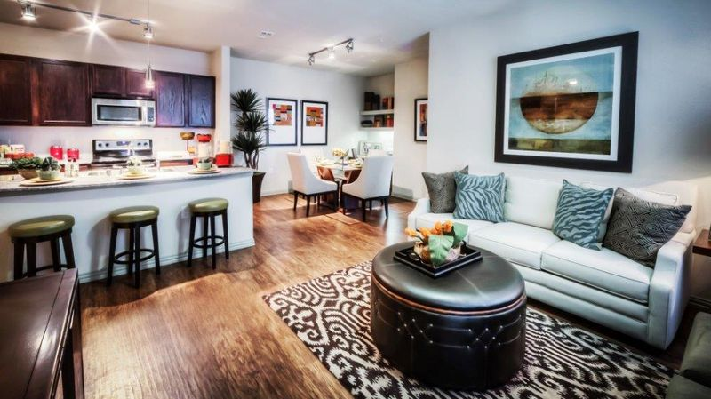 Living at Listing #233647