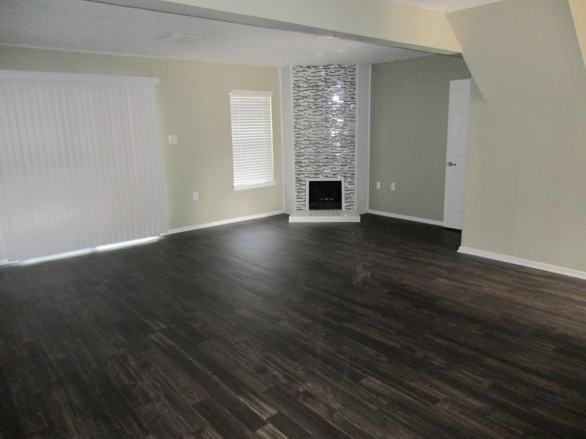 Living at Listing #136793