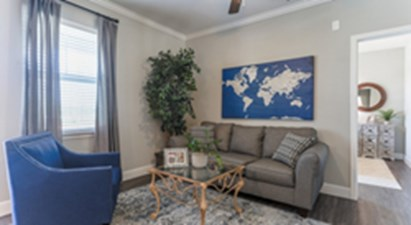 Living at Listing #312749