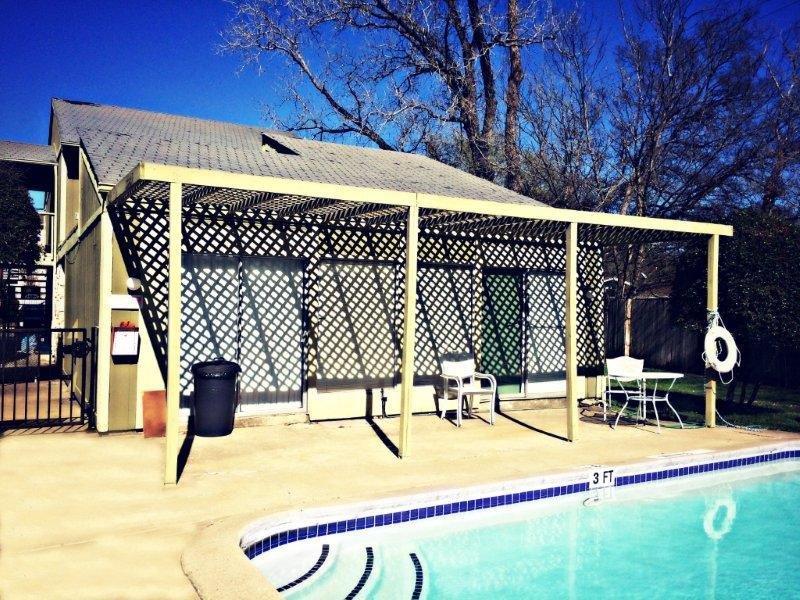 Pool at Listing #140551