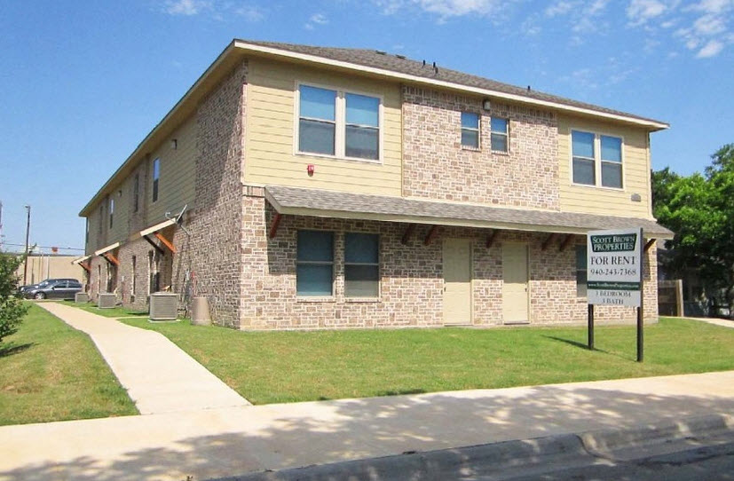 Exterior at Listing #229182