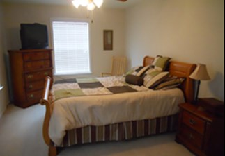 Bedroom at Listing #140029