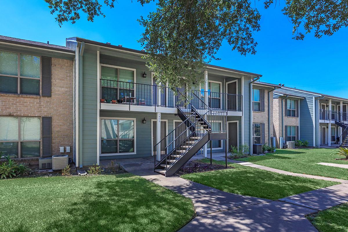 Westwood Village Apartments Rosenberg, TX