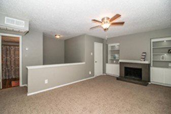 Living at Listing #137005