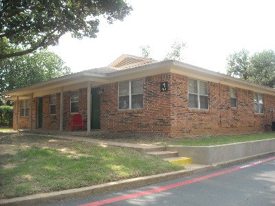 Sherwood Arms Apartments Keene TX