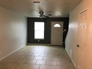Living at Listing #307535