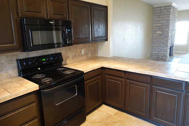 Kitchen at Listing #295770