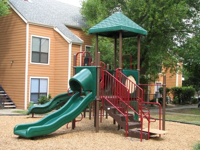 Playground at Listing #140979