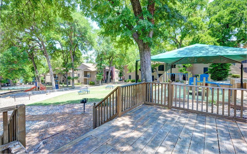 Picnic Area at Listing #136227