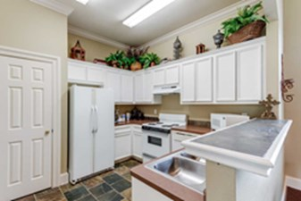 Kitchen at Listing #144160