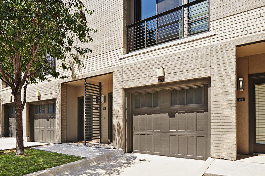 Exterior at Listing #147783