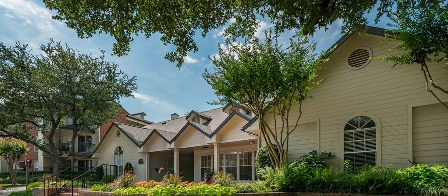 Exterior at Listing #135923