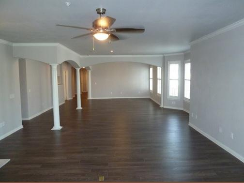Living Area at Listing #141411