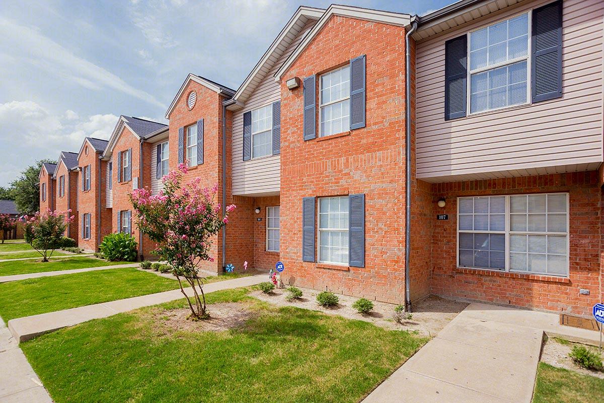 Centerville Pointe ApartmentsGarlandTX
