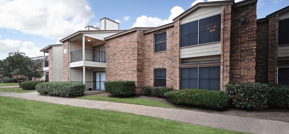 Montoro Apartments