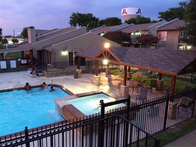 Pool at Listing #136881