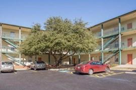 Lago Vista Apartments San Antonio TX