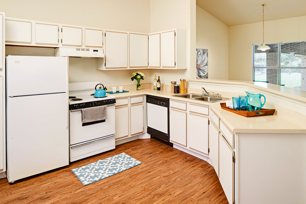 Kitchen at Listing #137689