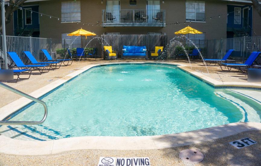 Pool at Listing #136402
