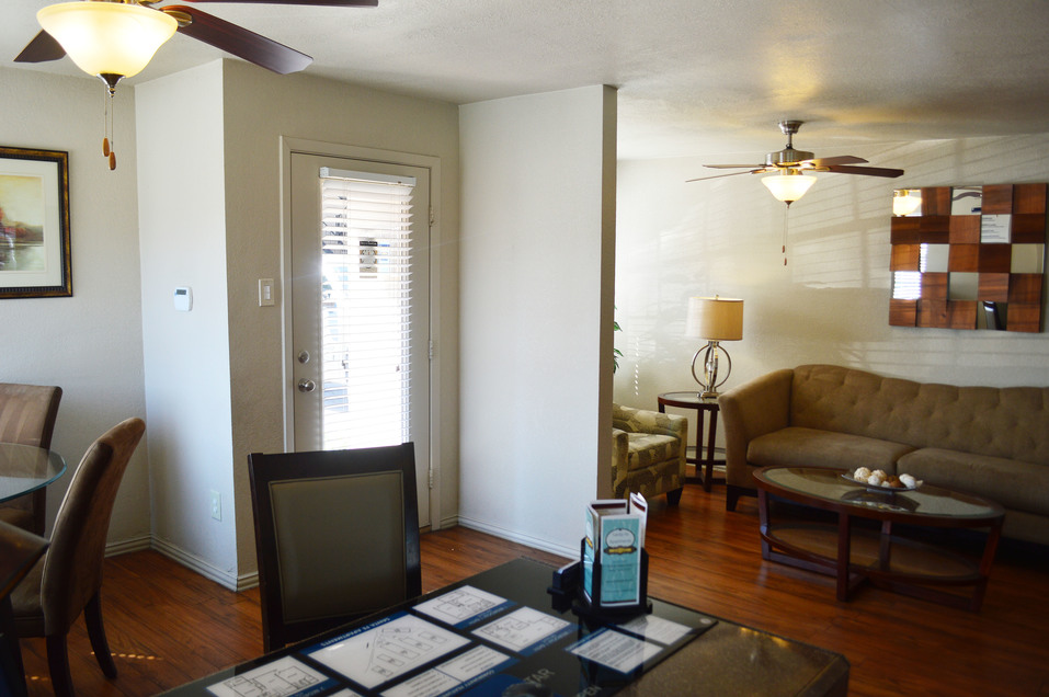 Living at Listing #136559