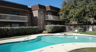 Avanti on Central Apartments Bedford TX