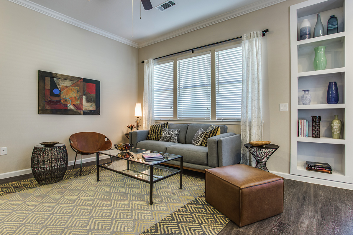 Living Area at Listing #280219