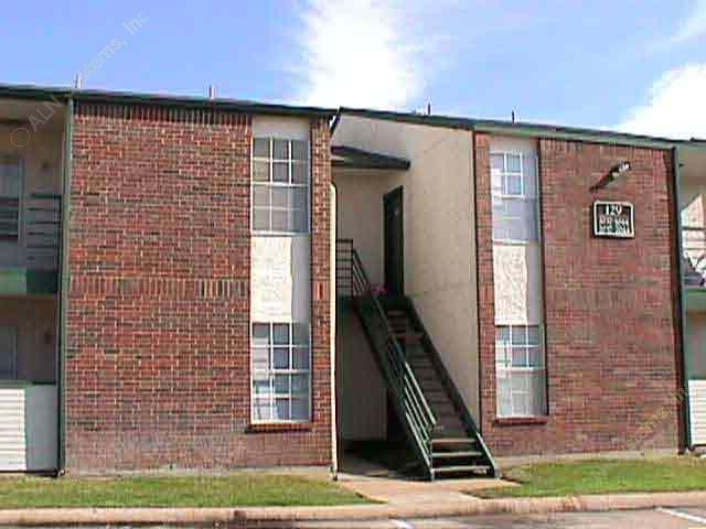 Holly Park Apartments Arlington TX