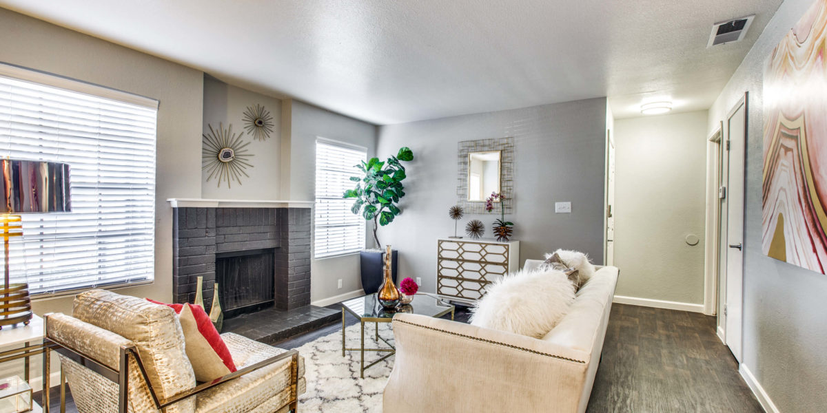 Living at Listing #137009