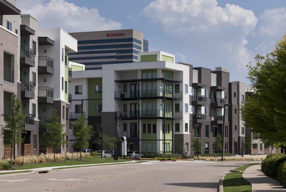 Aura One 90 Apartments Plano TX