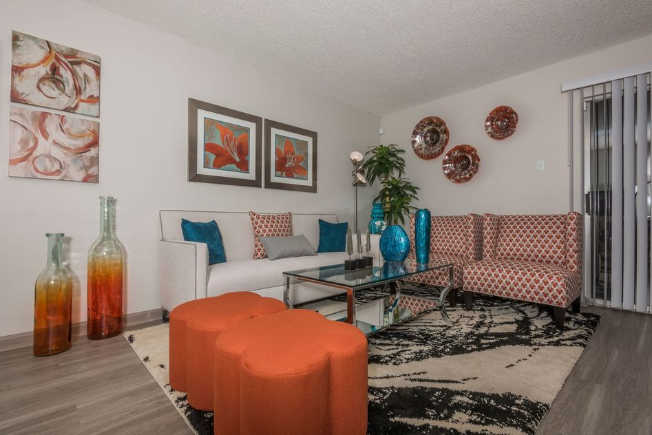 Living at Listing #136911