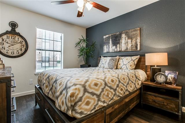 Bedroom at Listing #136240