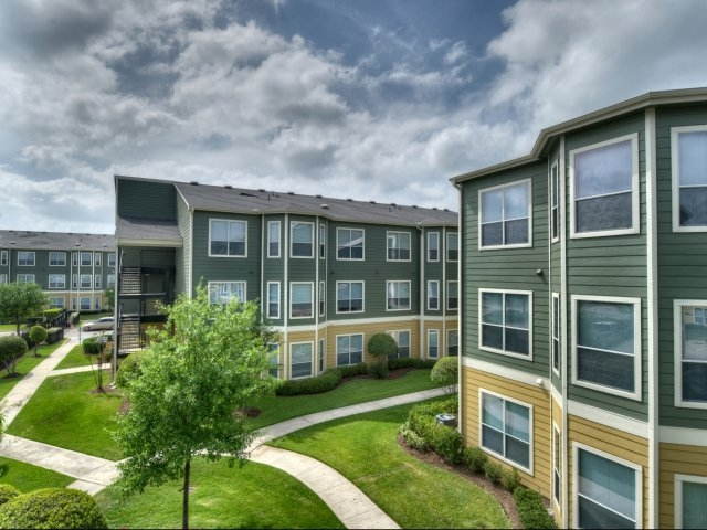 Estates at Hollister Apartments , TX