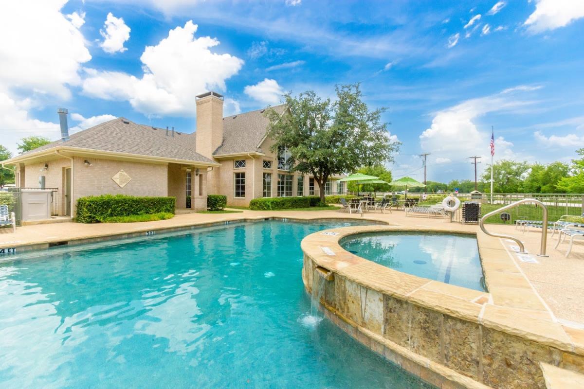 Pool at Listing #137951