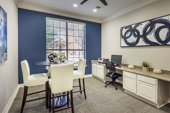 Business Center at Listing #138204