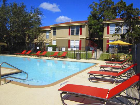 Pool at Listing #141114