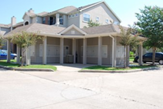 Exterior at Listing #144489