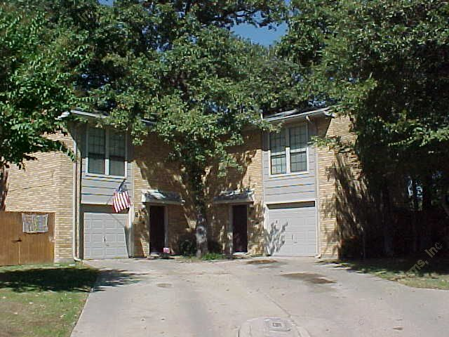 Exterior 3 at Listing #136109