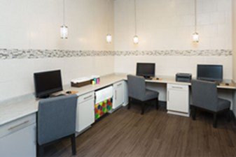 Business Center at Listing #140763