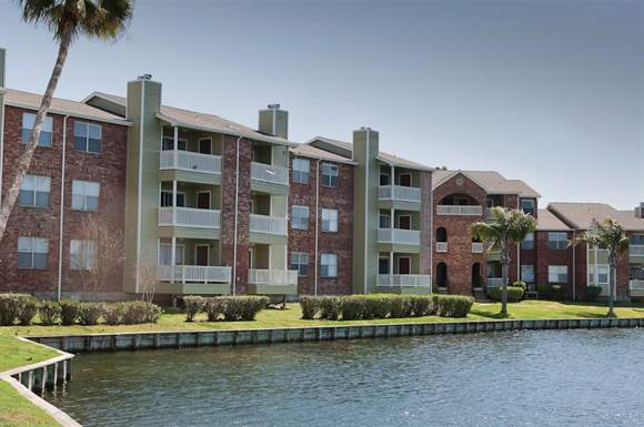 Lakeside at Campeche Apartments Galveston TX