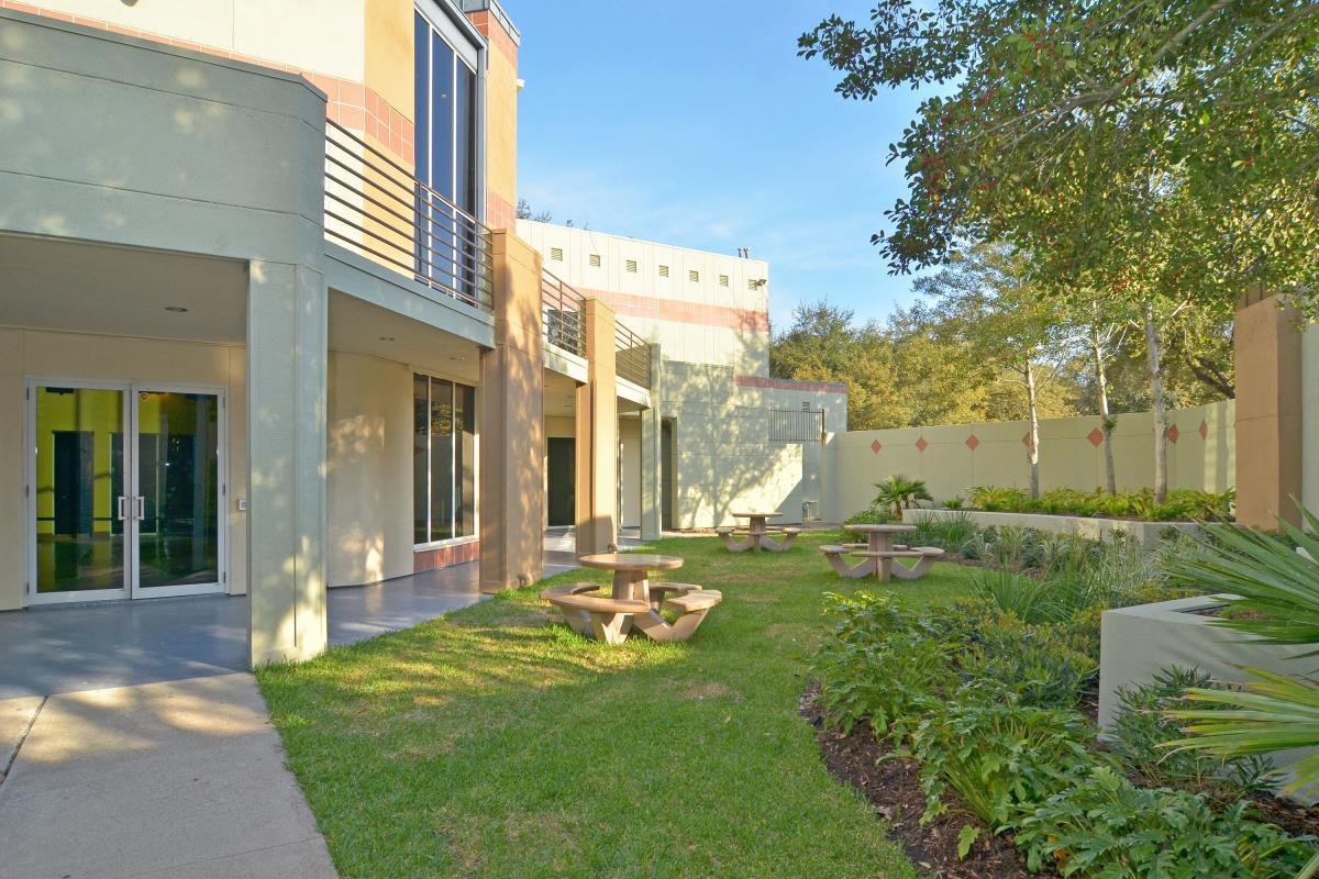Courtyard at Listing #138805